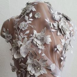002-03 Розы серебро Объемное вышитое кружево на белом фатине