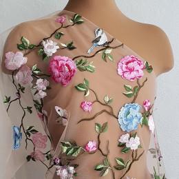5601 Райский сад Цветное вышитое кружево в пастельных тонах на телесном фатине